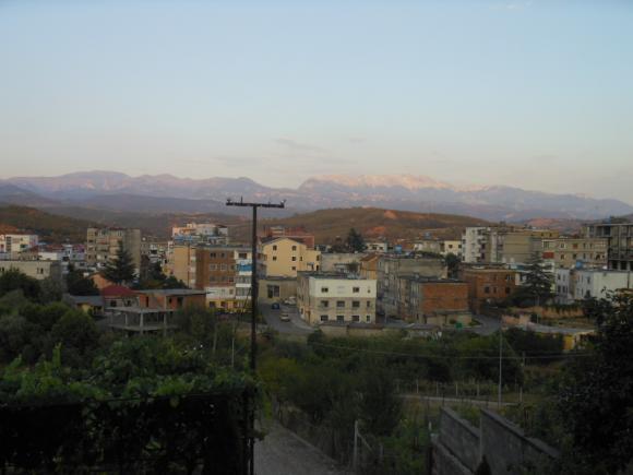 http://albanie2013.cowblog.fr/images/DSCN1511-copie-1.jpg